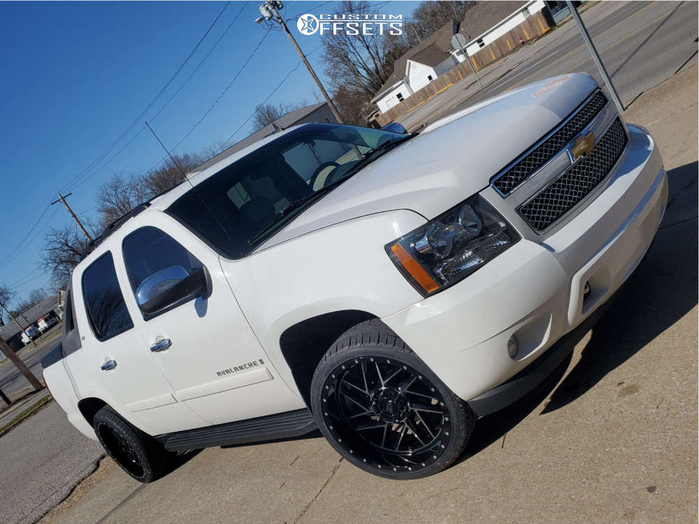 """2008 Chevrolet Avalanche Aggressive > 1"""" outside fender on 22x10 -18 offset Moto Metal Mo985 & 285/35 Ironman Imove Gen2 Suv on Stock Suspension - Custom Offsets Gallery"""