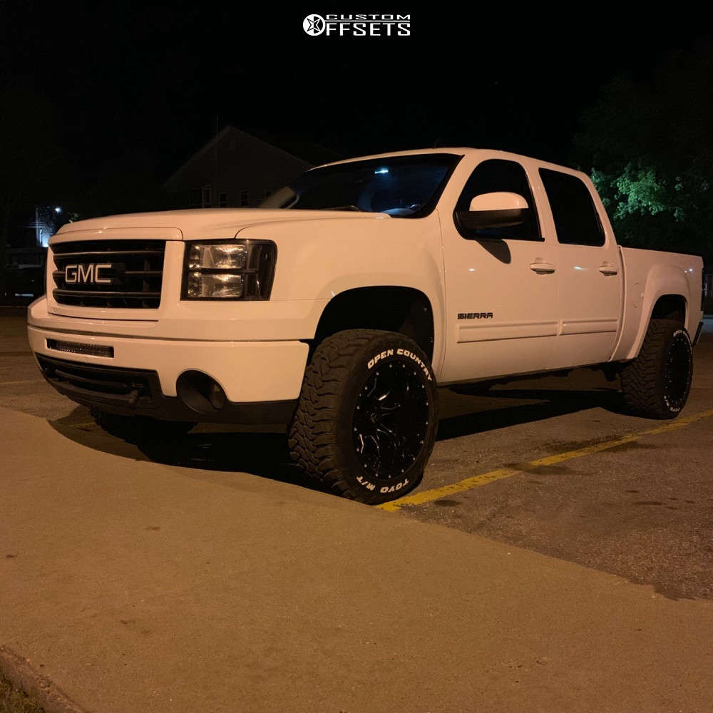 """2009 GMC Savana 1500 Aggressive > 1"""" outside fender on 20x12 -43 offset Fuel Vandal and 33""""x12.5"""" Toyo Tires Open Country M/T on Suspension Lift 2.5"""" - Custom Offsets Gallery"""