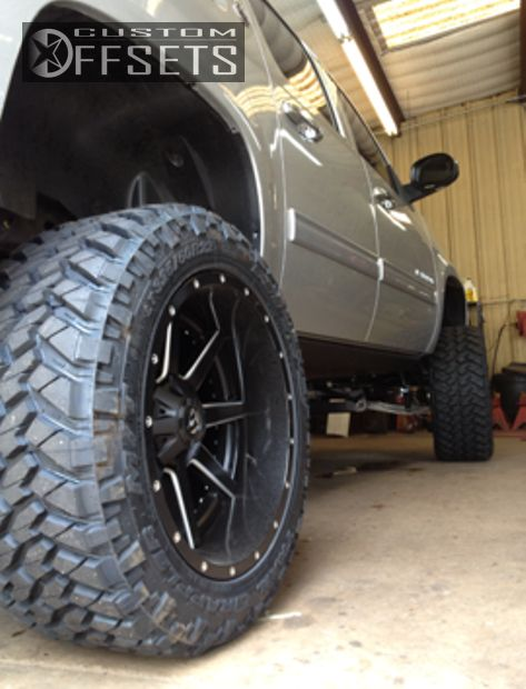 1032 6 2012 avalanche chevrolet suspension lift 6 fuel maverick custom super aggressive 3.png