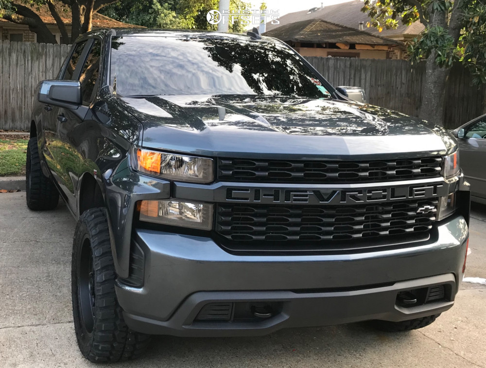 """2020 Chevrolet Silverado 1500 Aggressive > 1"""" outside fender on 20x9 -12 offset Ultra Butcher and 33""""x12.5"""" Federal Couragia Mt on Leveling Kit - Custom Offsets Gallery"""