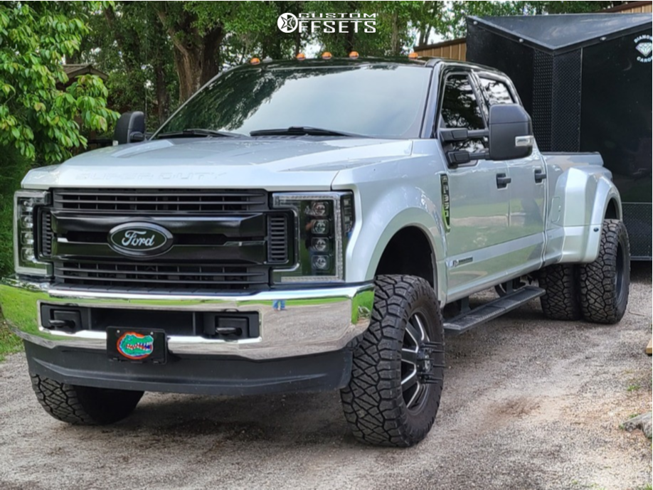 """2017 Ford F-350 Super Duty Aggressive > 1"""" outside fender on 20x8.25 178 offset Fuel Maverick and 35""""x12.5"""" Nitto Ridge Grappler on Leveling Kit - Custom Offsets Gallery"""