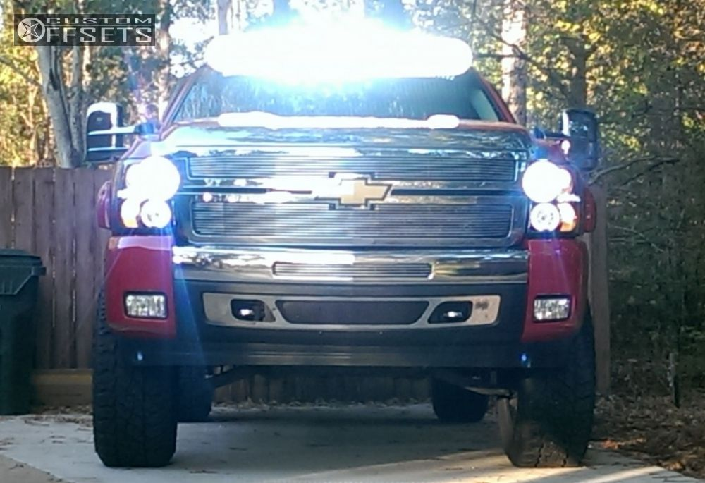 """2010 Chevrolet Silverado 1500 Aggressive > 1"""" outside fender on 18x10 -12 offset Diamo DI017 and 305/70 Cooper Discoverer S/t Maxx on Leveling Kit & Body Lift - Custom Offsets Gallery"""