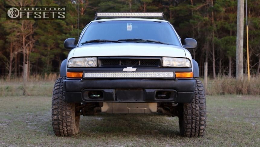 2 1998 S10 Chevrolet Suspension Lift 3 Fuel Hostage Black Aggressive 1 Outside Fender