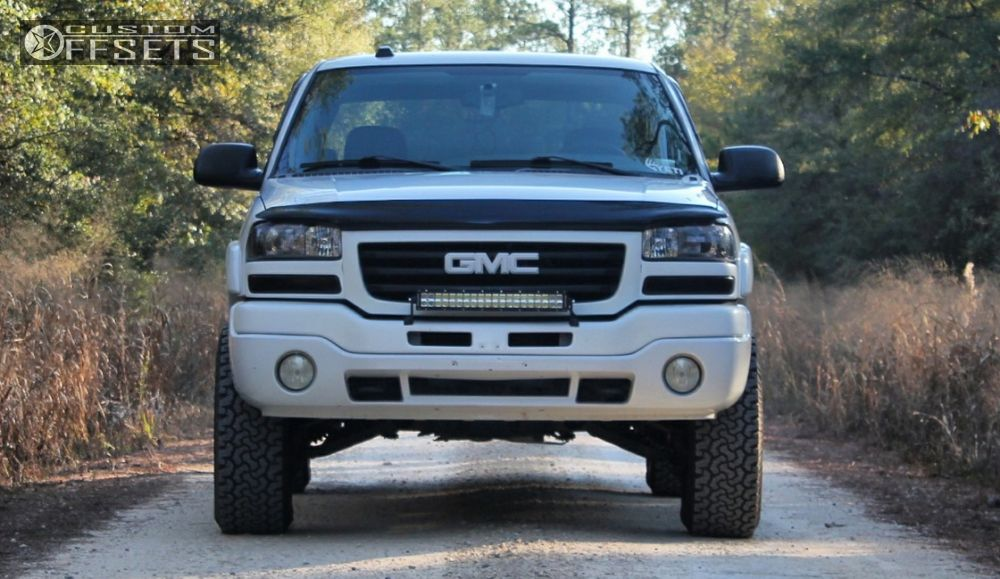 2 2004 Sierra 1500 Gmc Leveling Kit Moto Metal Mo970 Machined Accents Aggressive 1 Outside Fender