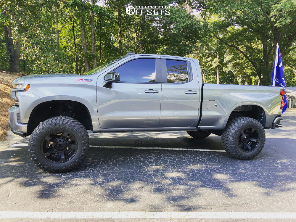 "2019 Chevrolet Silverado 1500 Aggressive > 1"" outside fender on 20x10 -24 offset XD Rockstar Ii and 37""x13.5"" Maxxis Razr Mt on Suspension Lift 8"" - Custom Offsets Gallery"