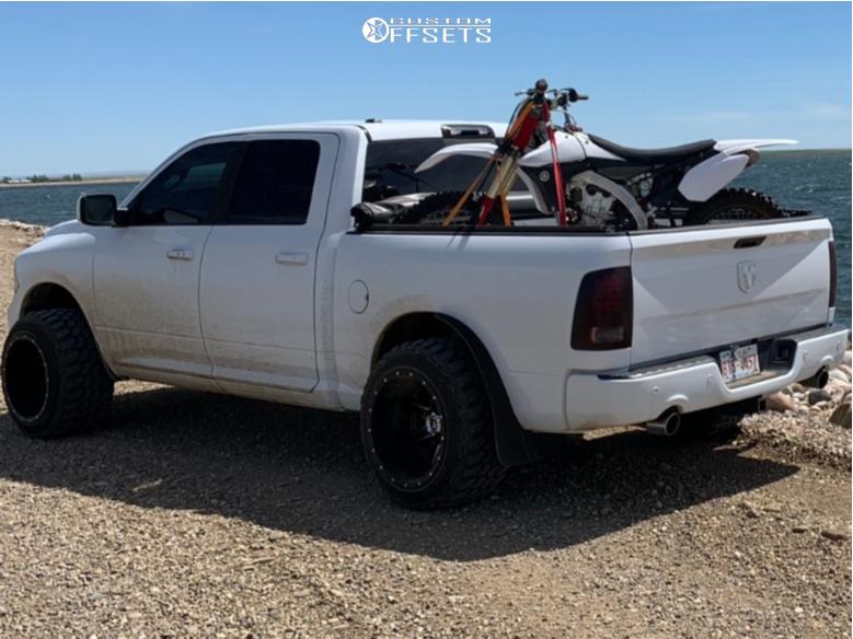 2 2015 Ram 1500 Dodge Daystar Suspension Lift 25in Fuel Maverick Black