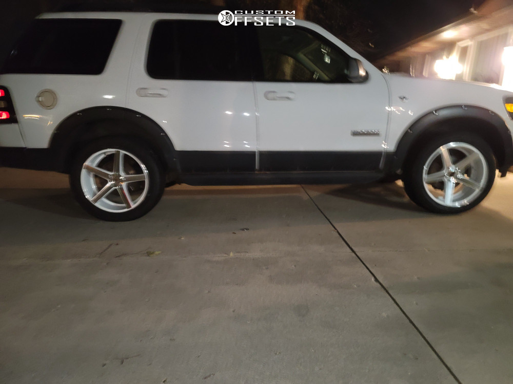 2007 Ford Explorer Nearly Flush on 20x8.5 35 offset Strada Perfetto and 245/50 Vercelli Strada I on Stock Suspension - Custom Offsets Gallery