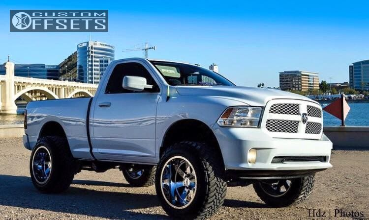 13642 11 2014 ram 1500 dodge suspension lift 6 moto metal mo962 chrome hella stance 5 - Dodge Ram 2014 Lifted