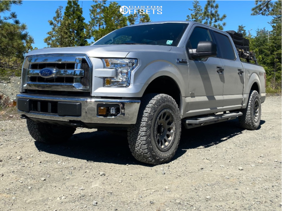 """2017 Ford F-150 Aggressive > 1"""" outside fender on 18x9 1 offset Fuel Vector and 275/70 BFGoodrich All Terrain Ta Ko2 on Leveling Kit - Custom Offsets Gallery"""