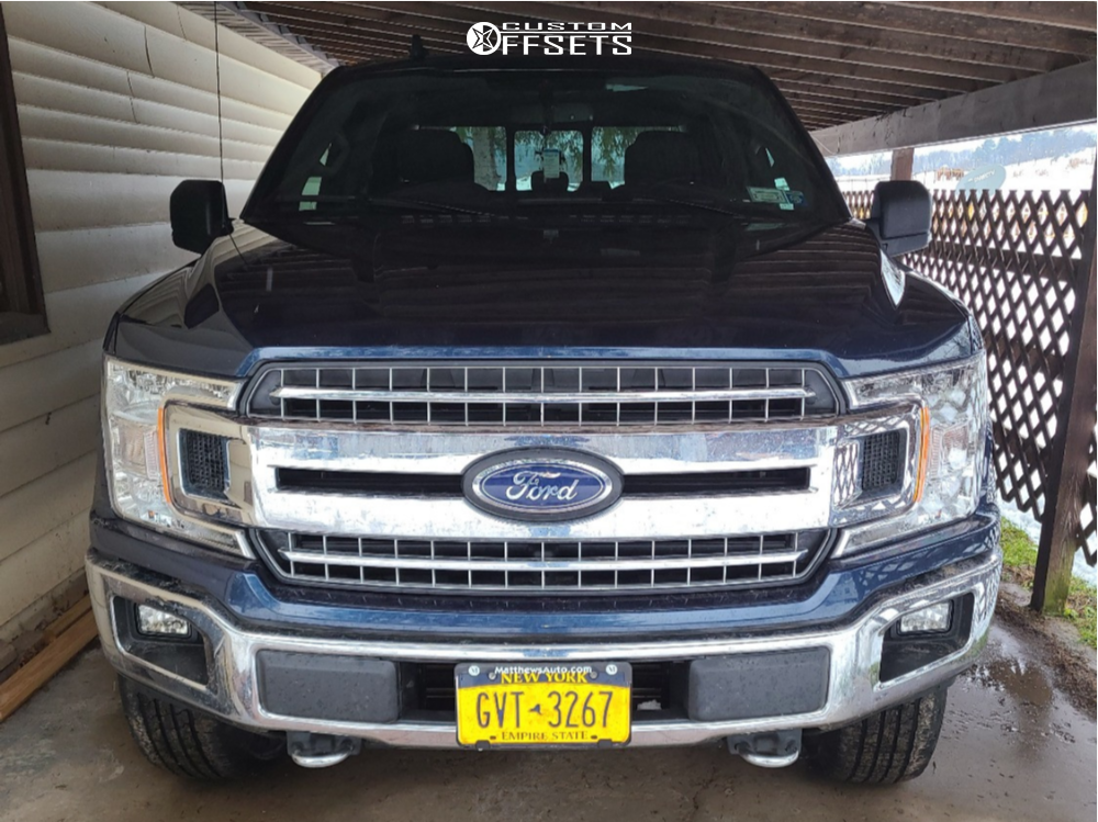"""2019 Ford F-150 Aggressive > 1"""" outside fender on 18x9 -12 offset XD Monster and 33""""x12.5"""" Fierce Attitude Mt on Stock - Custom Offsets Gallery"""