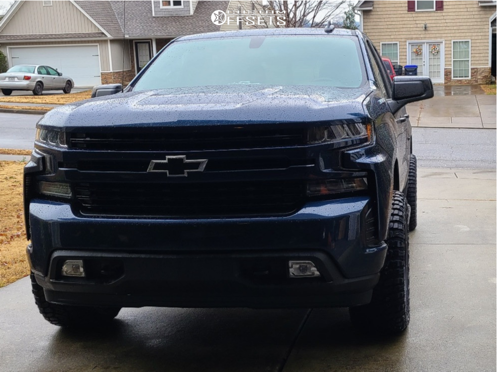 """2020 Chevrolet Silverado 1500 Aggressive > 1"""" outside fender on 22x10 -19 offset Vision Rocker and 33""""x12.5"""" Radar Renegade Rt Plus on Leveling Kit - Custom Offsets Gallery"""