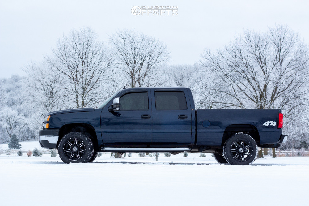"""2007 Chevrolet Silverado 2500 HD Classic Aggressive > 1"""" outside fender on 20x10 -24 offset Anthem Off-Road Equalizer and 285/55 Cooper Discoverer At3 Xlt on Stock Suspension - Custom Offsets Gallery"""