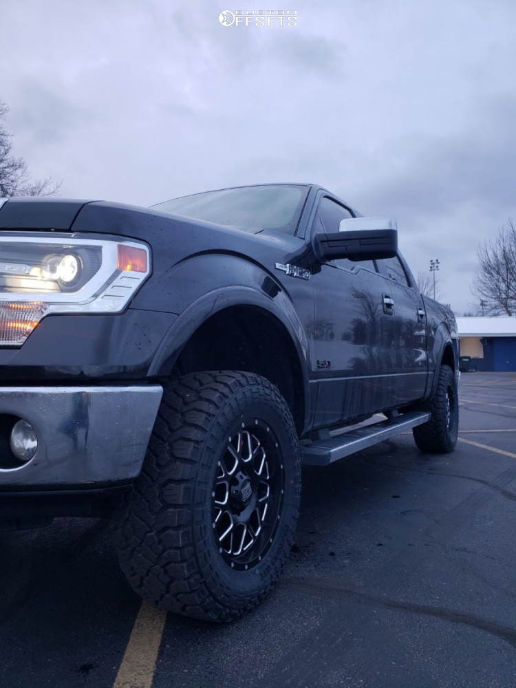 """2013 Ford F-150 Slightly Aggressive on 18x9 18 offset XD Grenade and 33""""x12.5"""" Kenda Klever R/t on Leveling Kit - Custom Offsets Gallery"""