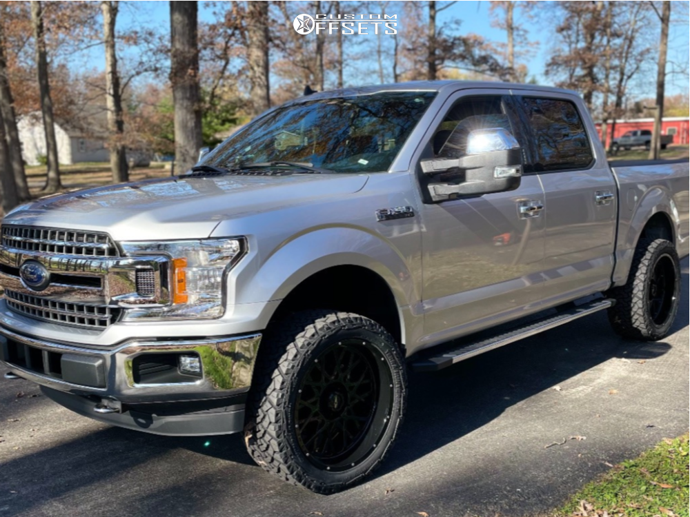 "2019 Ford F-150 Aggressive > 1"" outside fender on 22x10 -19 offset Vision Rocker and 33""x12.5"" Venom Power Terra Hunter X/t on Leveling Kit - Custom Offsets Gallery"