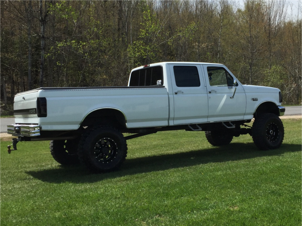 """1995 Ford F-350 Aggressive > 1"""" outside fender on 17x10 -24 offset Moto Metal Mo962 and 37""""x12.5"""" Federal Couragia Mt on Suspension Lift 8"""" - Custom Offsets Gallery"""
