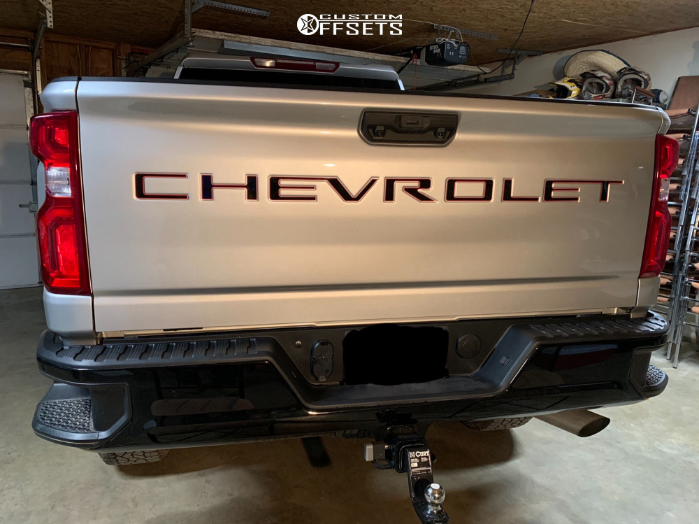 """2020 Chevrolet Silverado 2500 HD Aggressive > 1"""" outside fender on 20x10 -24 offset Anthem Off-Road Equalizer and 35""""x12.5"""" Nitto Ridge Grappler on Suspension Lift 3"""" - Custom Offsets Gallery"""