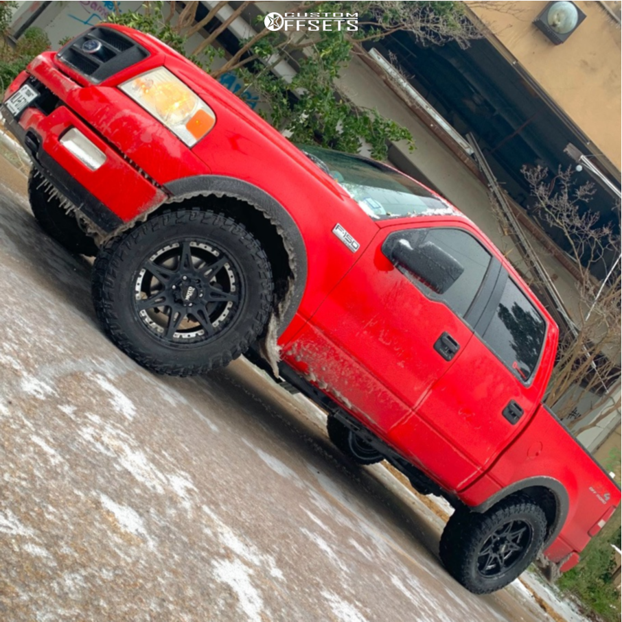 "2005 Ford F-150 Aggressive > 1"" outside fender on 20x9 18 offset Moto Metal MO961 and 35""x12.5"" Cooper Discoverer Stt Pro on Stock Suspension - Custom Offsets Gallery"