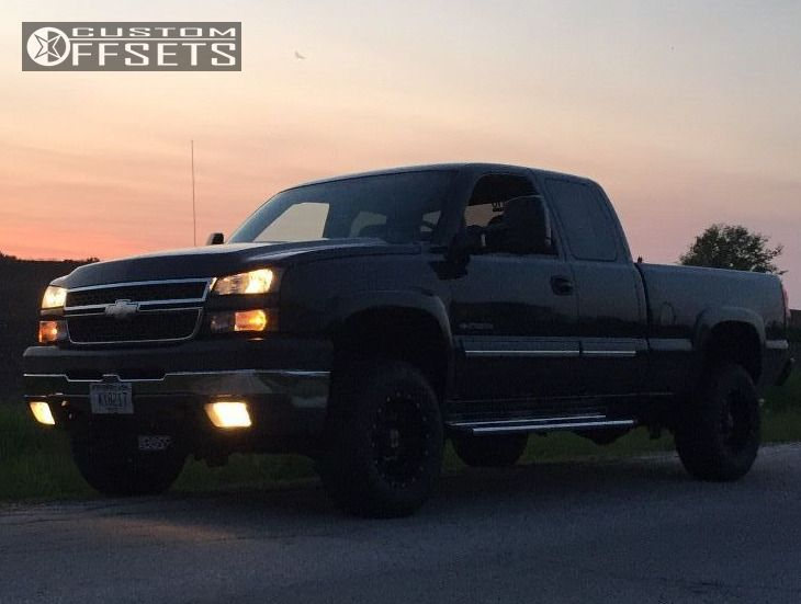 4 2005 Silverado 2500 Hd Chevrolet Leveling Kit Kmc 810 Black Slightly Aggressive