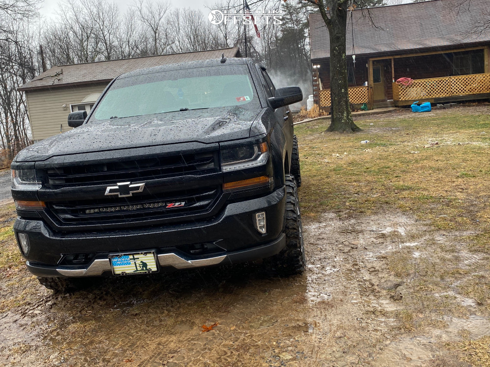 """2016 Chevrolet Silverado 1500 Aggressive > 1"""" outside fender on 20x10 -19 offset Fuel Assault D576 and 33""""x12.5"""" Gladiator Xcomp Mt on Leveling Kit - Custom Offsets Gallery"""