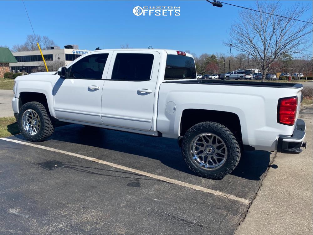 "2017 Chevrolet Silverado 1500 Aggressive > 1"" outside fender on 20x10 -19 offset Hostile Sprocket and 33""x12.5"" Nitto Trail Grappler on Leveling Kit - Custom Offsets Gallery"