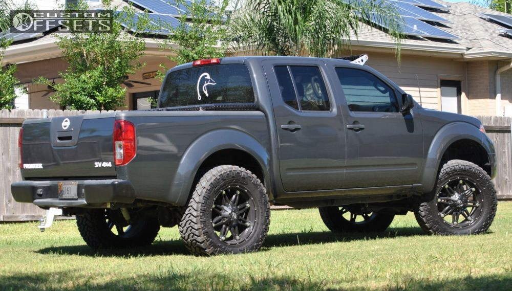 2012 Nissan Frontier Fuel Hostage Fabtech Suspension Lift 6in