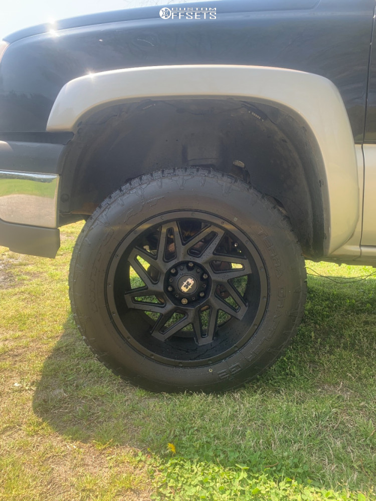 """2004 Chevrolet Silverado 1500 Aggressive > 1"""" outside fender on 20x10 -25 offset Vision Spyder and 33""""x12.5"""" Nitto Terra Grappler G2 on Leveling Kit - Custom Offsets Gallery"""