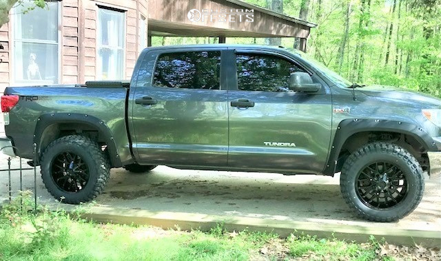 """2013 Toyota Tundra Aggressive > 1"""" outside fender on 20x10 -19 offset Hardrock Affliction and 35""""x12.5"""" Comforser Cf3000 on Leveling Kit - Custom Offsets Gallery"""