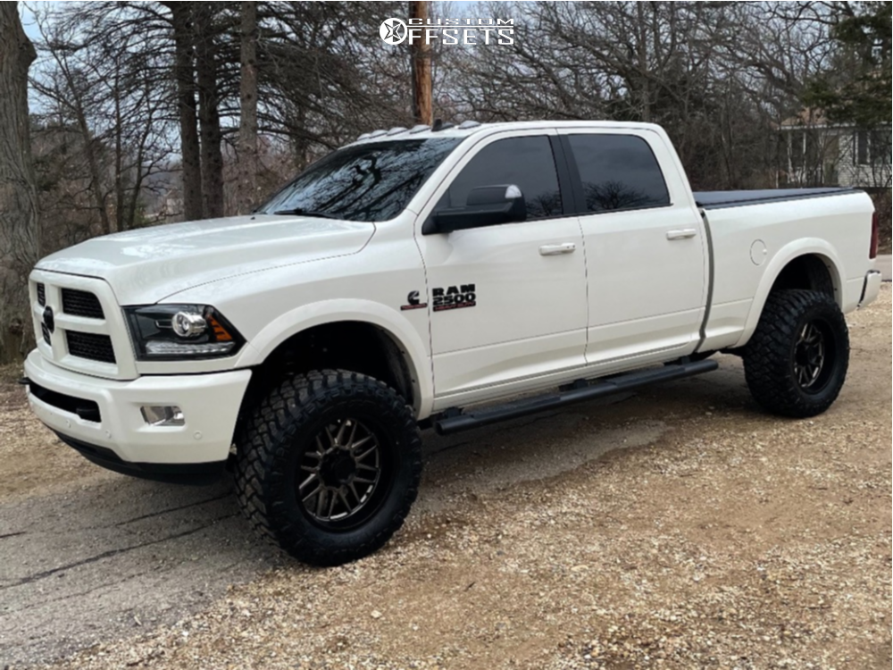 """2017 Ram 2500 Aggressive > 1"""" outside fender on 20x10 -24 offset Ultra Butcher and 35""""x12.5"""" Maxxis Razr M/t on Leveling Kit - Custom Offsets Gallery"""