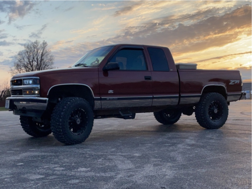 "1998 Chevrolet K1500 Aggressive > 1"" outside fender on 20x10 -24 offset Anthem Off-Road Equalizer and 35""x12.5"" Cooper Discoverer Stt Pro on Suspension Lift 6"" - Custom Offsets Gallery"