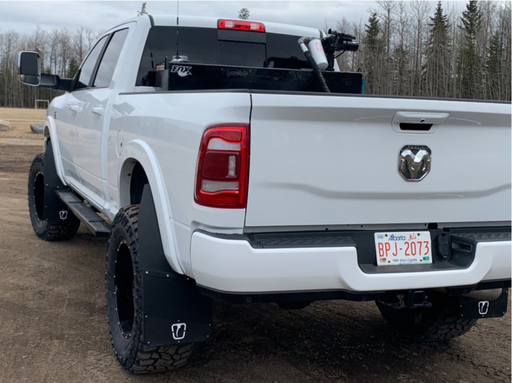 """2020 Ram 3500 Super Aggressive 3""""-5"""" on 20x10 -24 offset Moto Metal Mo970 and 37""""x13.5"""" Cooper Discoverer Stt Pro on Suspension Lift 4"""" - Custom Offsets Gallery"""
