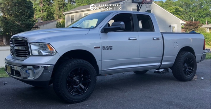"""2014 Ram 1500 Aggressive > 1"""" outside fender on 20x10 -24 offset Fuel Pump and 35""""x12.5"""" Venom Power Terra Hunter R/t on Leveling Kit - Custom Offsets Gallery"""