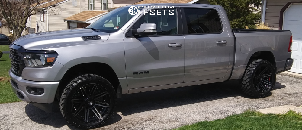 """2020 Ram 1500 Aggressive > 1"""" outside fender on 22x10 -18 offset 4Play 4p08 and 33""""x12.5"""" AMP Mud Terrain Attack M/t A on Stock - Custom Offsets Gallery"""