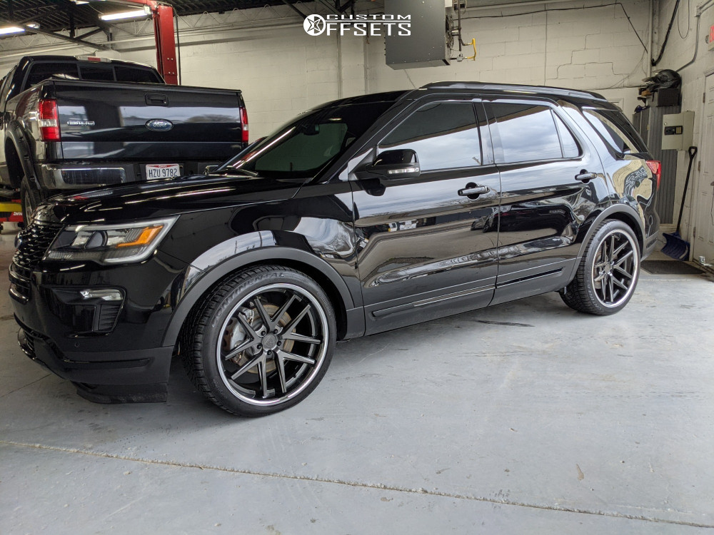 2019 Ford Explorer Flush on 22x10.5 40 offset Rohana Rc9 and 285/35 Continental Dws on Lowering Springs - Custom Offsets Gallery