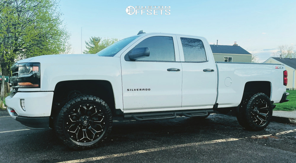 """2018 Chevrolet Silverado 1500 Aggressive > 1"""" outside fender on 20x10 -24 offset Fuel Assault D246 and 305/55 Nitto Ridge Grappler on Suspension Lift 3.5"""" - Custom Offsets Gallery"""