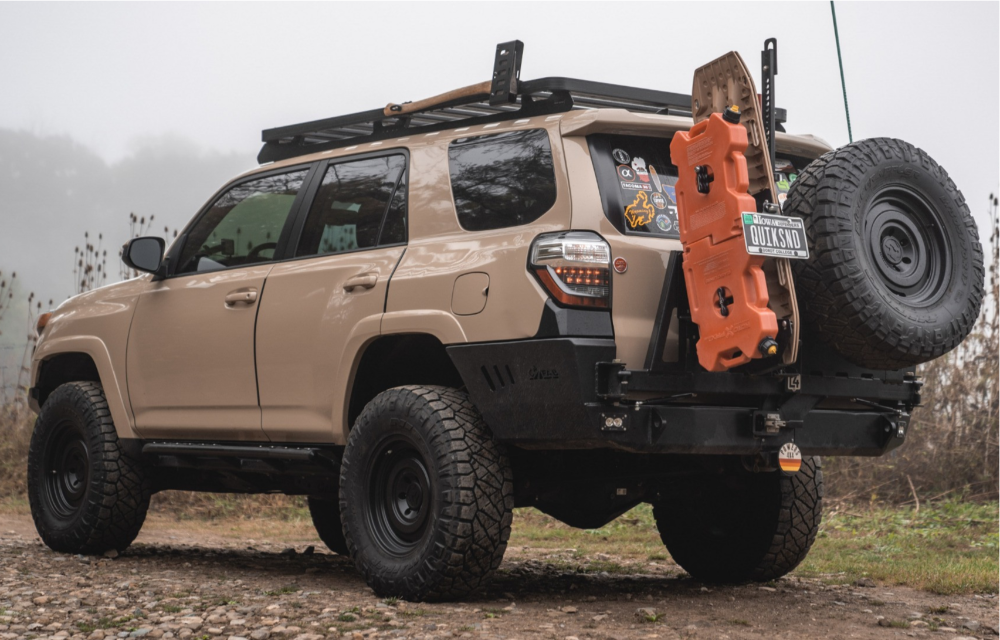 """2018 Toyota 4Runner Slightly Aggressive on 17x8.5 0 offset Fifteen52 Offroad Analog Hd and 305/70 Nitto Ridge Grappler on Suspension Lift 2.5"""" - Custom Offsets Gallery"""