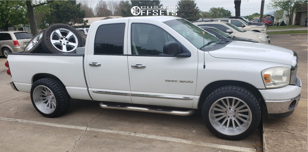 """2007 Dodge Ram 1500 Aggressive > 1"""" outside fender on 22x12 -44 offset V-Rock Anvil and 33""""x12.5"""" Haida Hd878 R/t on Stock Suspension - Custom Offsets Gallery"""