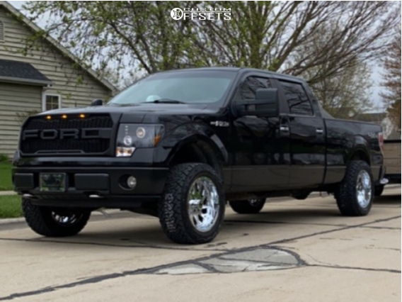 """2009 Ford F-150 Aggressive > 1"""" outside fender on 20x10 -19 offset Xtreme Force Xf8 and 32""""x11.5"""" Venom Power Terrain Hunter X/t on Suspension Lift 2.5"""" - Custom Offsets Gallery"""