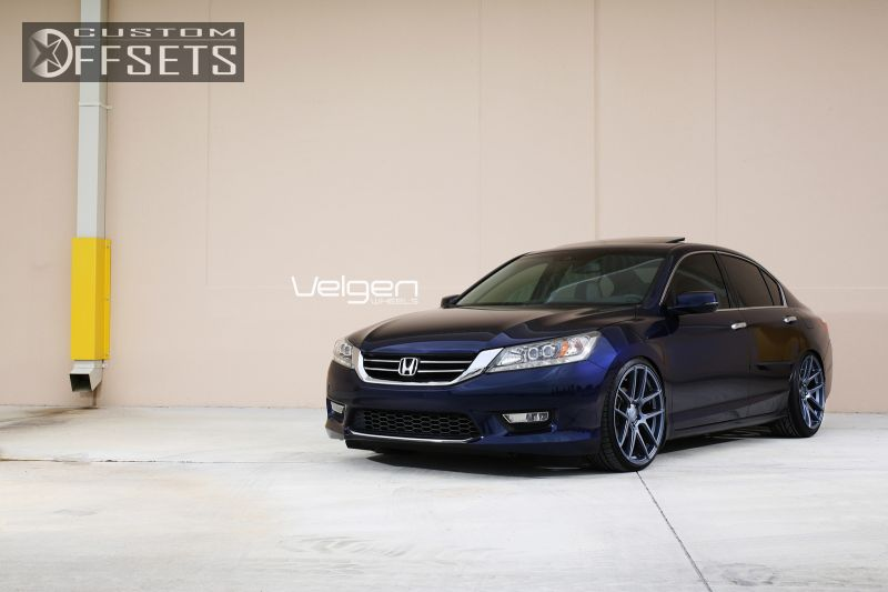 Honda Accord 2013 Black Rims Wheel Offset 20...