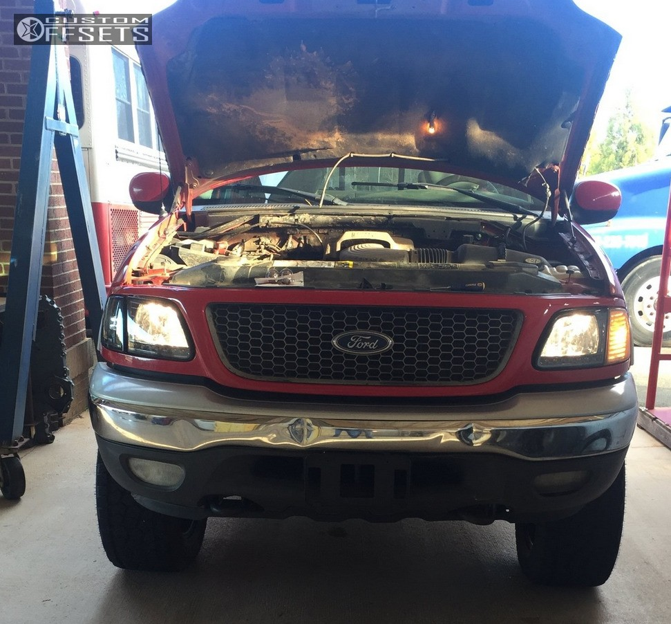 2002 Ford F 150: 2002 Ford F 150 Fuel Full Blown Rough Country Leveling Kit