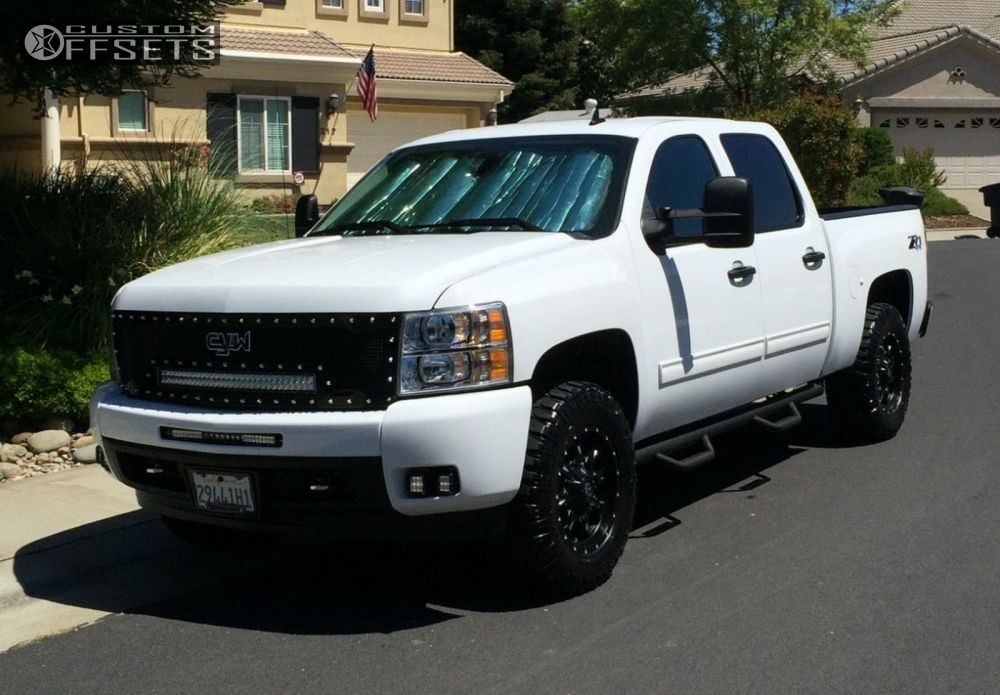 Wheel Offset 2012 Chevrolet Silverado 1500 Flush Leveling