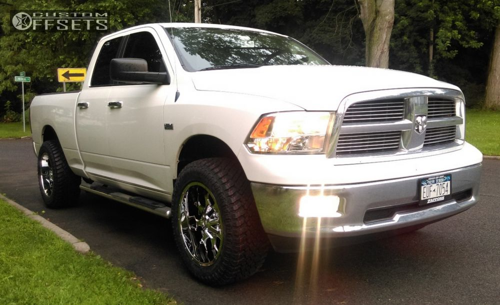 "2011 Ram 1500 Aggressive > 1"" outside fender on 20x10 -25 offset Mayhem Warrior and 33""x12.5"" Atturo Trail Blade Xt on Leveling Kit - Custom Offsets Gallery"