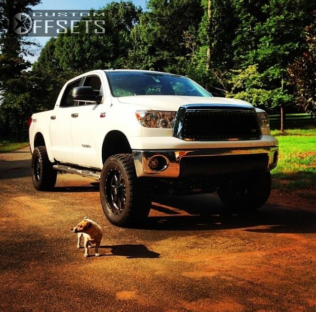 2252 4 2012 tundra toyota suspension lift 6 moto metal mo962 black aggressive 1 outside fender.jpg