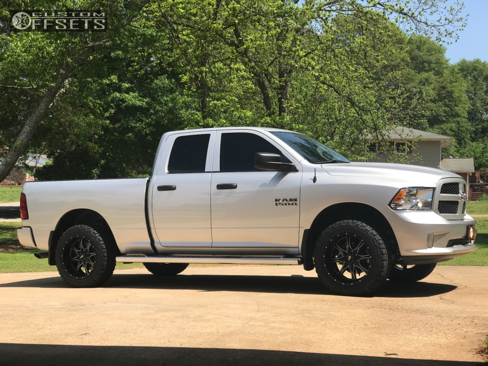 Dodge Ram 1500 Leveling Kit Before And After >> 2017 Ram 1500 Moto Metal Mo970 Traxda Leveling Kit | Custom Offsets