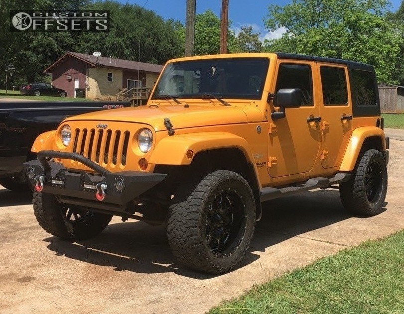 "2013 Jeep Wrangler Aggressive > 1"" outside fender on 20x9 -12 offset Ultra Hunter and 33""x12.5"" Toyo Tires Open Country M/T on Leveling Kit - Custom Offsets Gallery"