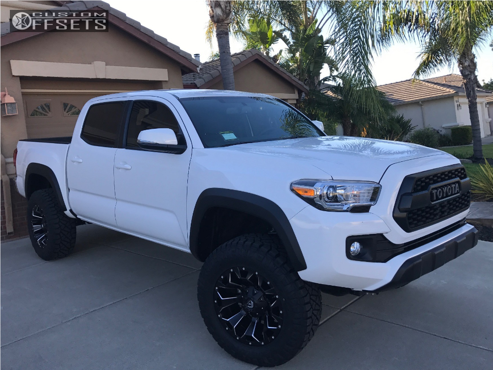 1 2017 Tacoma Toyota Leveling Kit Fuel Assault Black Aggressive 1 Outside Fender