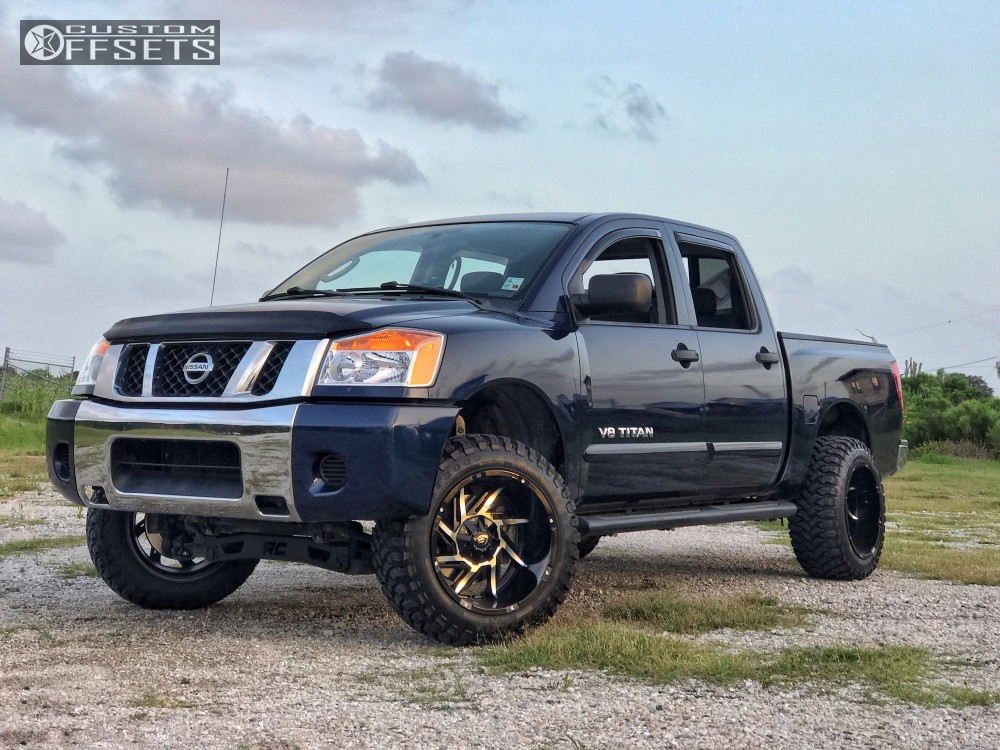 2010 Nissan Titan Vision Prowler Rough Country Suspension Lift 4in
