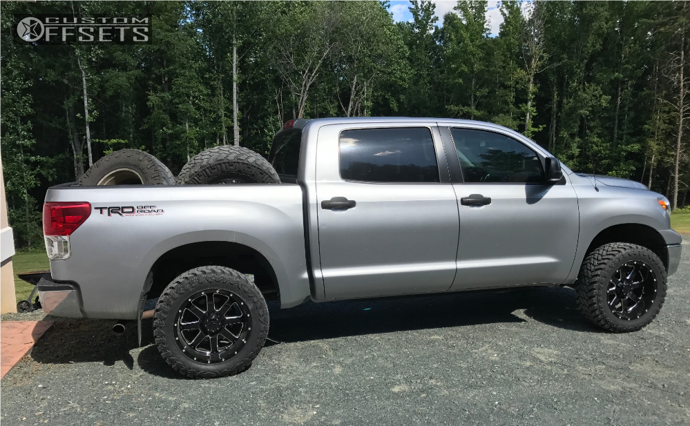 2011 Toyota Tundra Gear Alloy 726 Rough Country Leveling Kit