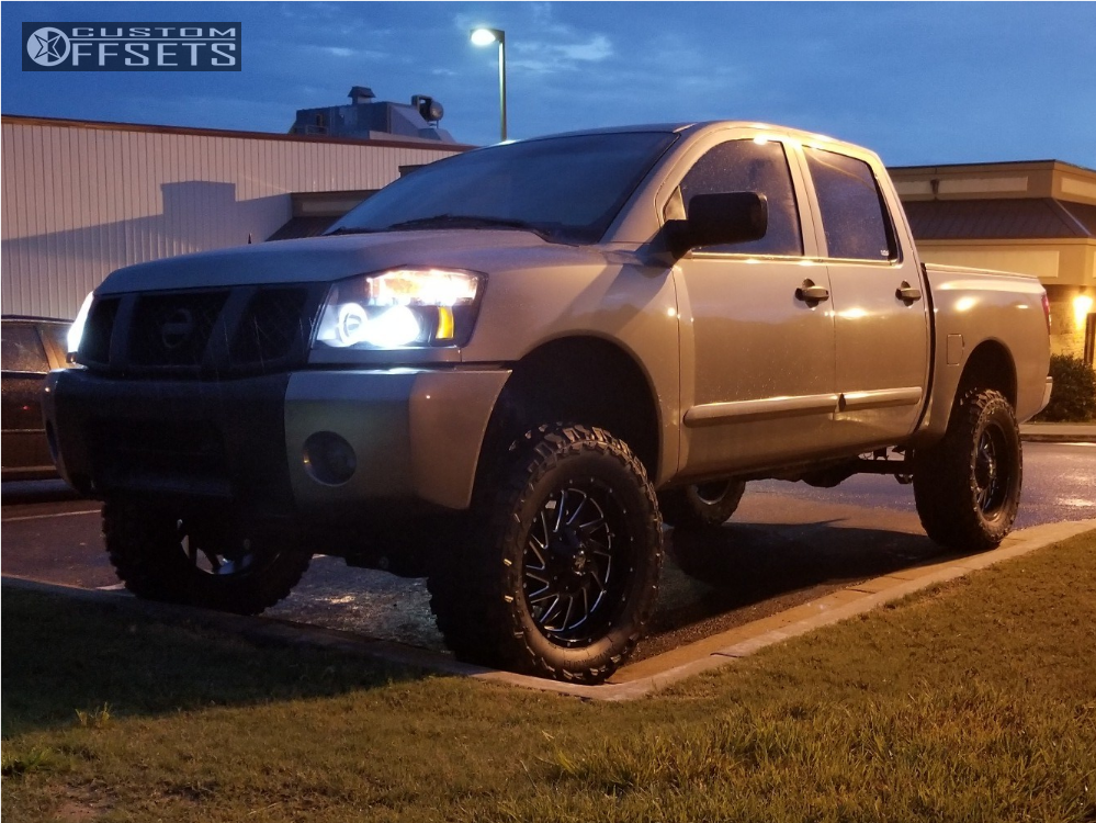 2007 nissan titan off road monster m12 rough country. Black Bedroom Furniture Sets. Home Design Ideas