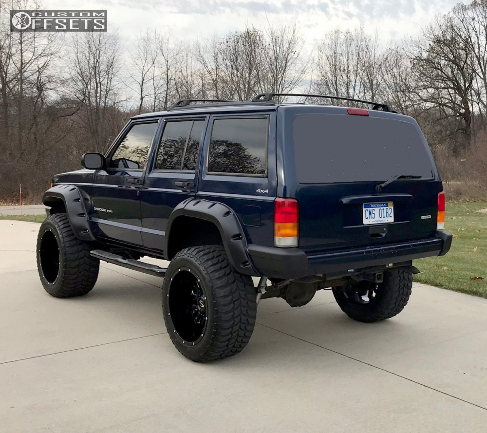 3 2001 Cherokee Jeep Rough Country Suspension Lift 45in Scorpion Sc17 Black