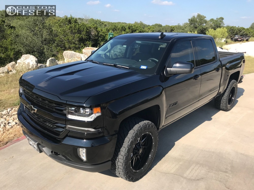 2017 chevrolet silverado 1500 pro comp series 42 rough country leveling kit custom offsets. Black Bedroom Furniture Sets. Home Design Ideas